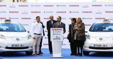 25 Nissan LEAF para La Ciudad del Taxi