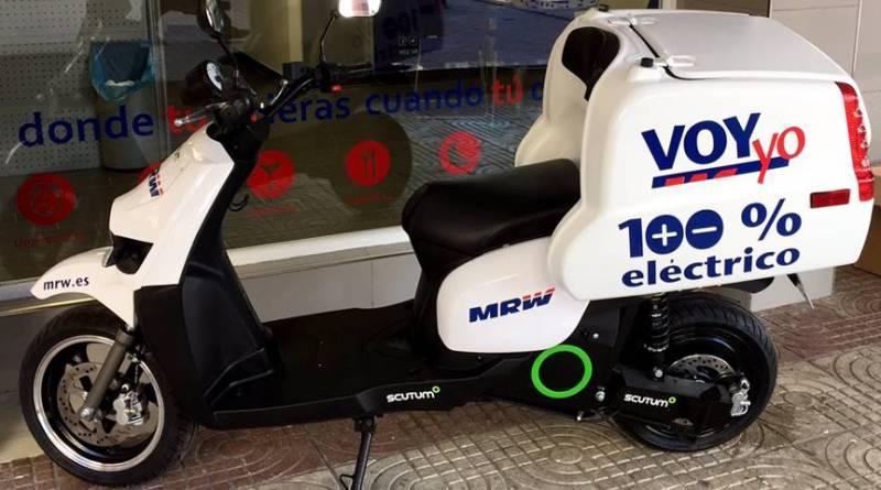 MRW Almería incorpora 3 scooters eléctricos Scutum