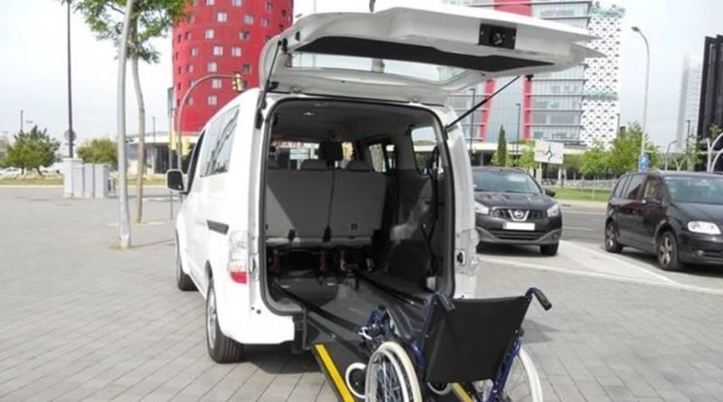 Primer taxi eléctrico adaptado para personas de movilidad reducida