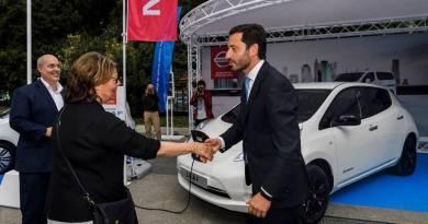 Nissan ha presentado el Leaf Black Edition en el VEM 2017
