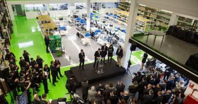 Scutum inaugura la primera fabrica de motos eléctricas y baterías de Europa