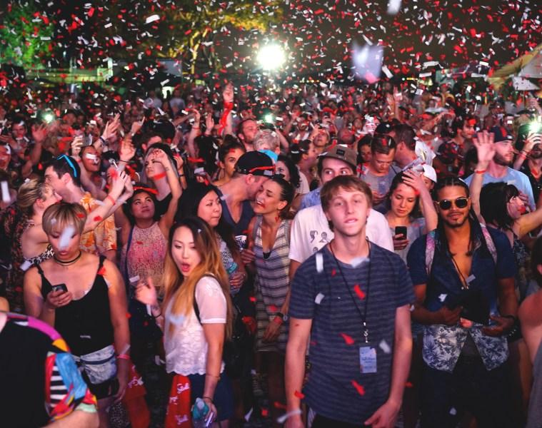 crowd_FullMoonFest_Elevtr_Trax