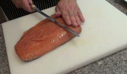 Salmon marinado con salsa de mostaza38