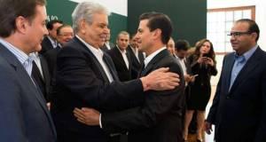 El Presidente de la República, Enrique Peña Nieto se reunió con dirigentes obreros y empresariales.