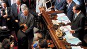 Frente a Menem, Kirchner toca madera