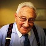 Η δήλωση του Kissinger.Καταρρίπτεται (Αν δεν ακούτε τα τύμπανα του πολέμου πρέπει να είστε κουφοί)