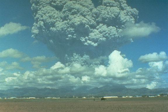 pinatubo-ash-cloud