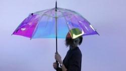 مظلة ذكية تتنبأ بهطول المطر قبل 15 دقيقة!