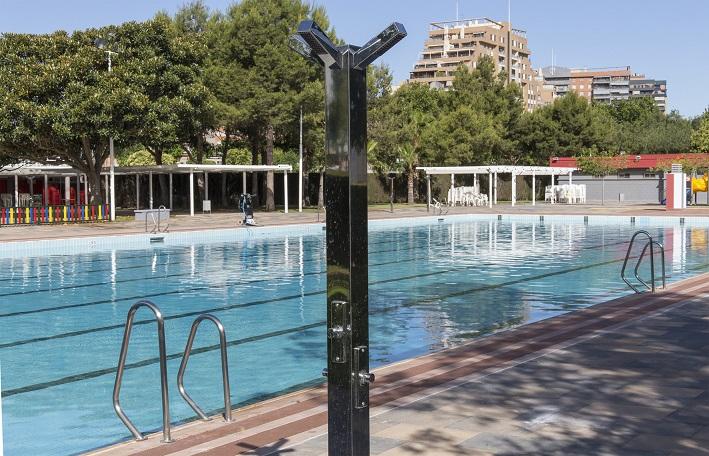 Las piscinas de l 39 horta ya est n abiertas for Piscina municipal quart de poblet