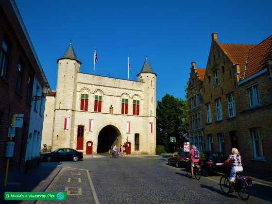 Puerta Brujas