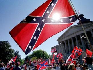 ct-charleston-south-carolina-confederate-flag-roof-perspec-0621-20150619