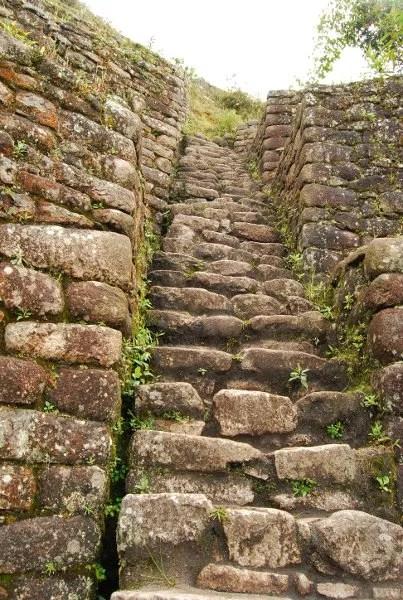 Hacia la cumbre del Huayna Picchu en Machu Picchu