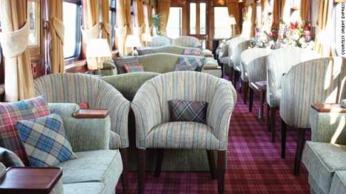 Vista interior del tren The Royal Scotsman. Foto: CNN.