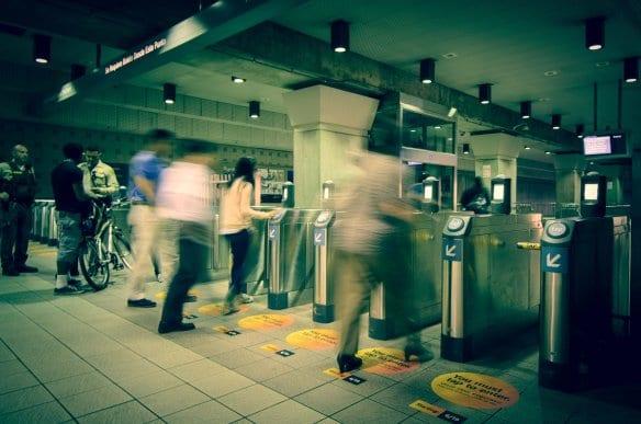 Torniquetes en Union Station. Foto: Steve Hymon/Metro.