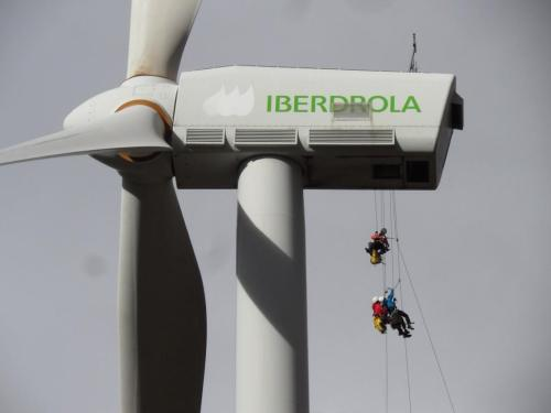 Operaciones de mantenimiento  en aerogeneradores de Iberdrola.