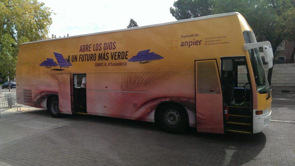 El autobús con el que Anpier recorrerá toda España en las próximas semanas. FOTO: RR.