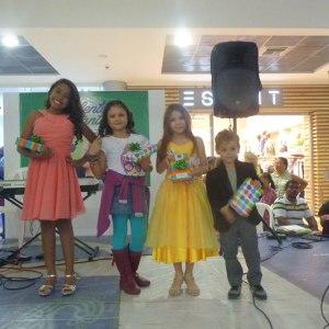 Leocrips Chamorro Carrillo, Iliana Carolina Carbono Gómez, Danna Sofía Tetay Mejía y Lionel Murgas.