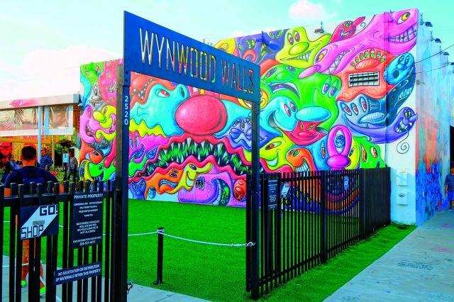 FHPHF6 Winwood Walls Miami Beach Florida FL Art Deco Ocean Drive South Beach. Image shot 1000. Exact date unknown.