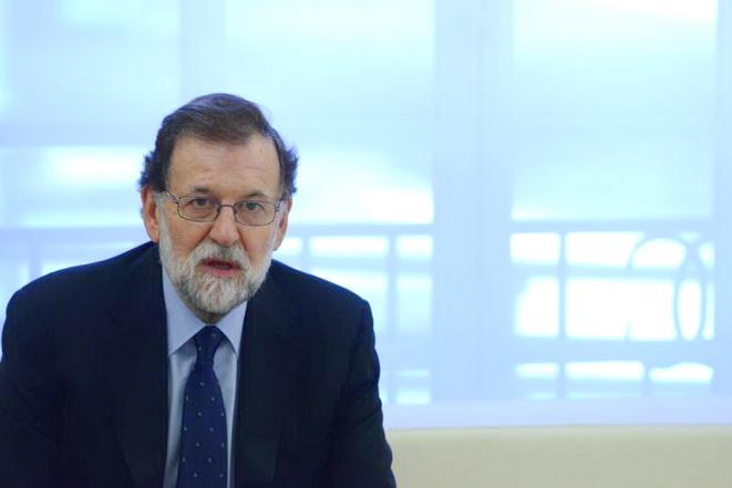 Rajoy exige a Puigdemont abandonar la independencia y evitar