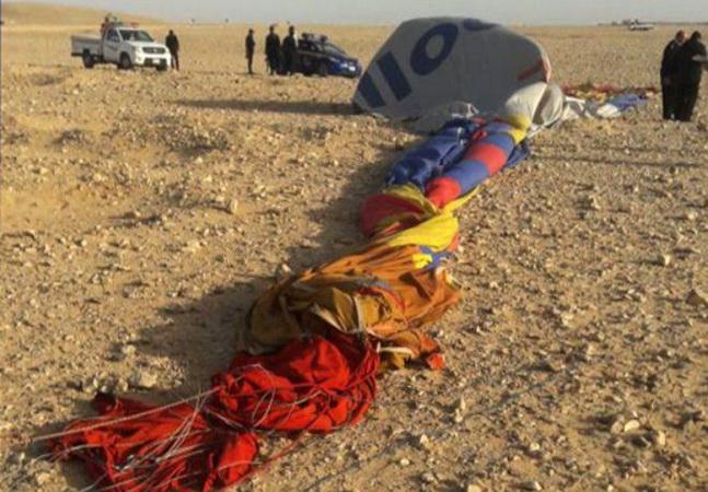 Varios heridos tras estrellarse un globo aerostático con turistas en Egipto