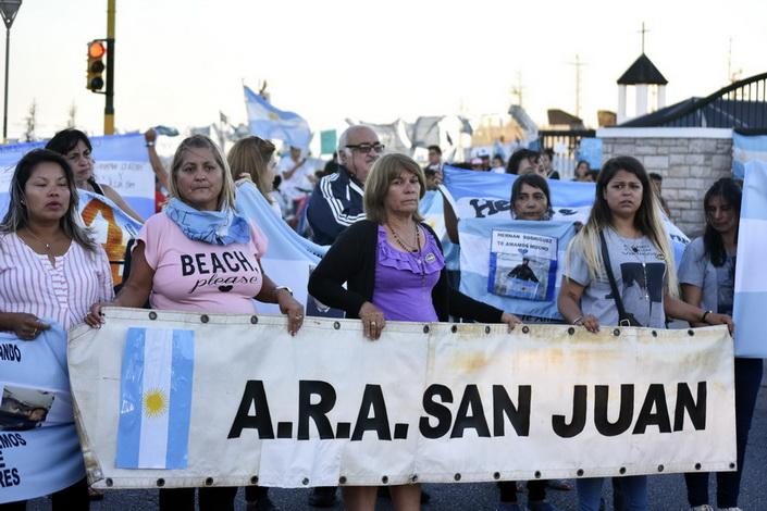Uno de los buques que buscaba al ARA San Juan debió retirarse