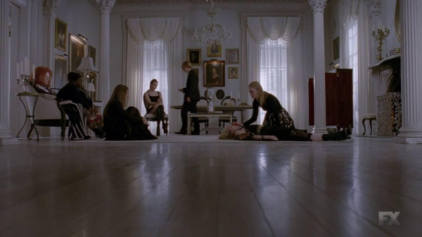 American Horror Story 3x13 Misty Day no consigue regresar de su infierno