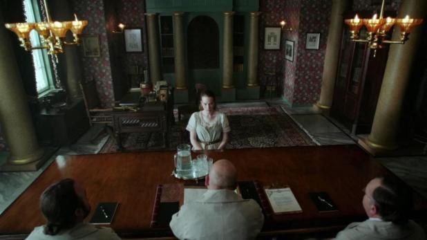 Crítica de Once Upon a Time in Wonderland: La serie comienza dando un tono más oscuro de lo habitual a la historia