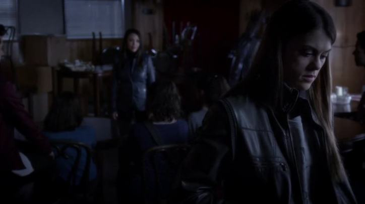 Pretty Little Liars 5x01: Mona vuelve al centro de la acción liderando un grupo anti-Alison en el que están Lucas, Paige y Melissa entre otros.