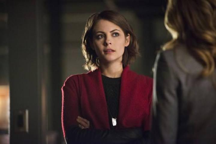 Arrow 3x15: La culpa por la muerte de Sara obliga a Thea a contarle la verdad a Laurel y a Nyssa y asumir sus reacciones.