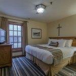 Bedroom in room 102