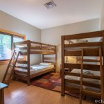 Bedroom with bunk beds in Cabin 6