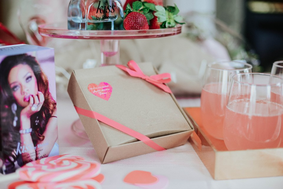 Valentines_Blogger_Giveaway-3