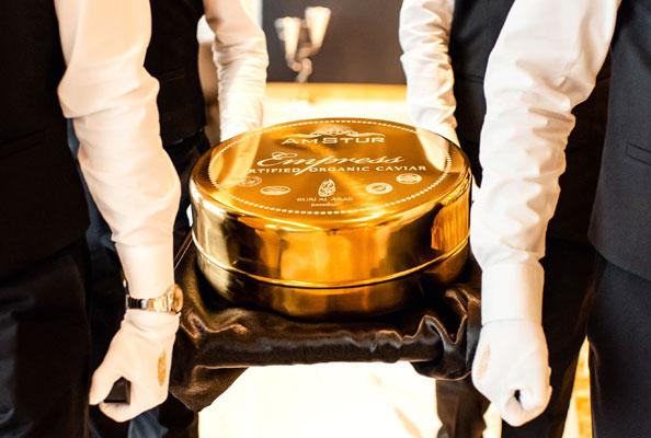 burj-al-arab_largest-tin-of-caviar-1