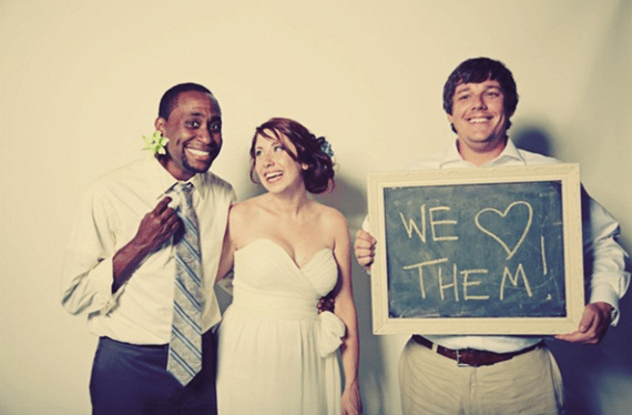How to Entertain Guests at a Wedding - Photo Booth
