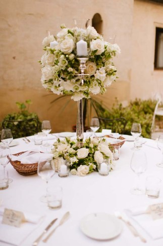 centerpieces | photo: adrian wood | real wedding in italy