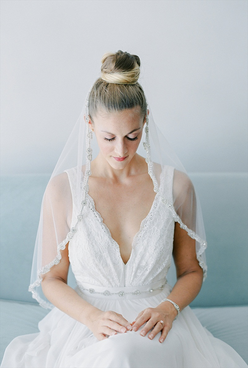 Veil with Topknot | 2016 Bridal Accessories Collection By Nestina Accessories, Photo by Melanie Gabrielle Photography