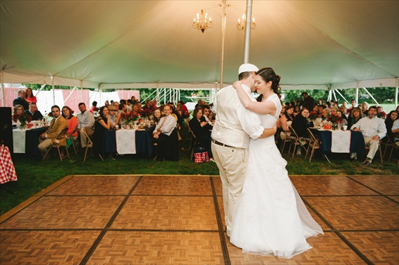 Americana Wedding:  Bride and Groom's First Dance (photo: michelle gardella)