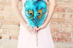 blue-peacock-feather-bouquet-idea
