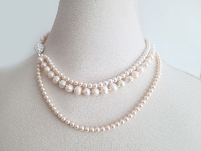 Ivory and Blush Pearl Necklace | http://emmalinebride.com/bride/blush-pearl-necklace/