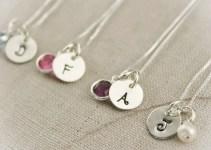 bridesmaid initial necklaces | via http://emmalinebride.com/2015-giveaway/bridesmaid-initial-necklaces/