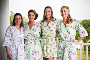 bridesmaid-robes-for-getting-ready