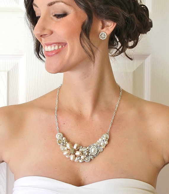 crystal statement necklace (via How to Wear a Bib Necklace)