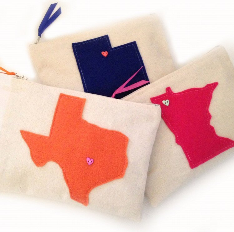 custom state clutch via 25 State Ideas That Will Make Your Big Day More Awesome