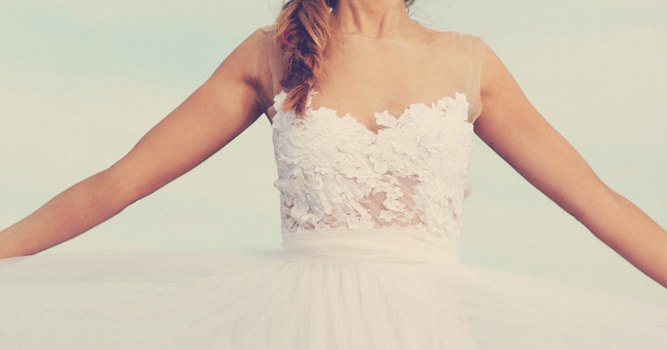 dreamy-sheer-neckline-wedding-dress