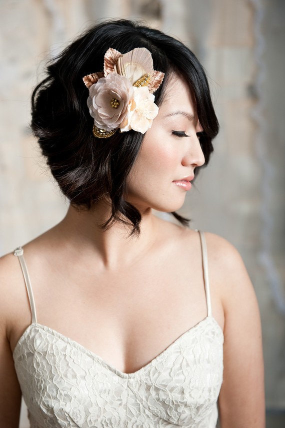 How to Rock a No Veil Wedding Look (via EmmalineBride.com) - Floral Fascinator by Tessa Kim, photo by Candice Benjamin