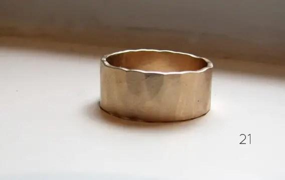 21 Stylish Bohemian Wedding Ideas (gold wedding band: tinahdee)