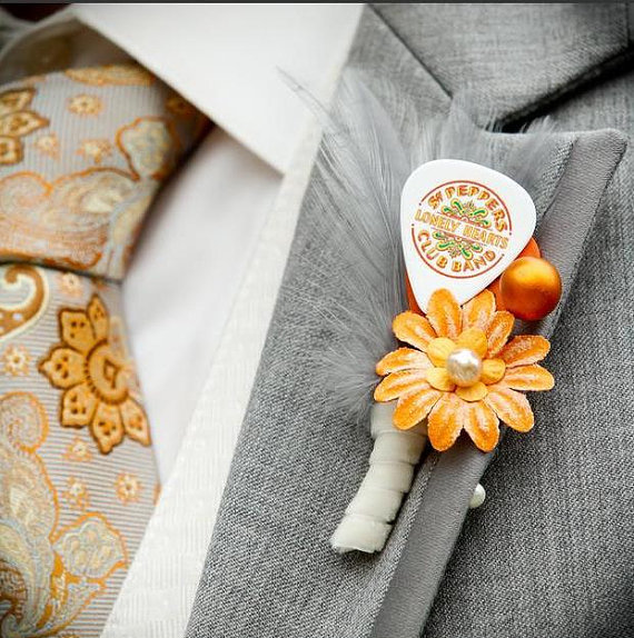 guitar pick boutonniere (by Surroundings) - 21 Unique Alternative Boutonniere Ideas