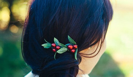 holiday winter berry hair comb