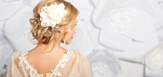 how-to-wear-a-hair-comb-wedding-accessory