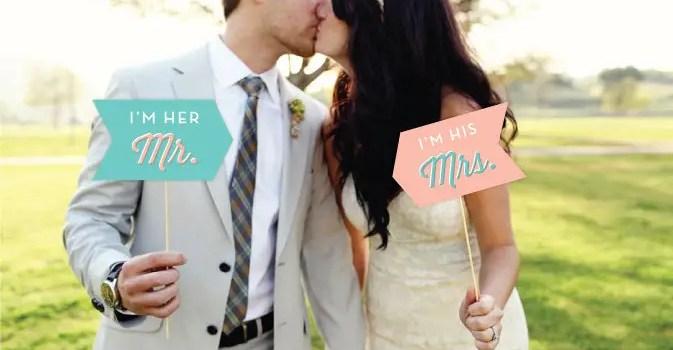 im her mr, i'm his mrs signs   Fun Wedding Photo Props   http://emmalinebride.com/decor/fun-wedding-photo-props/